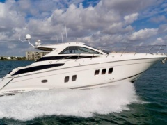 Regal 5260 Sport Coupe Yacht a Motore
