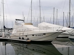 Mochi Craft 38 Flybridge Yacht