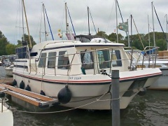 Succes 1000 Holiday Yacht a Motore