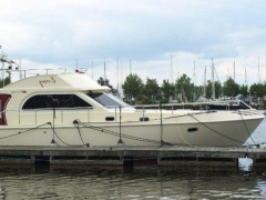 Stevens Nautical Easy 41 Fly Flybridge Yacht