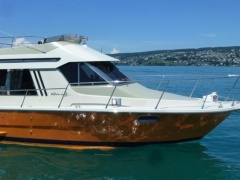 Riva 34 Summertime Flybridge Yacht