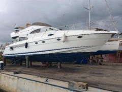 Fairline Squadron 55 Flybridge Yacht