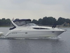 Bayliner 3055 Cruiser Yacht