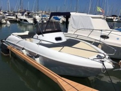 Saver 560 WALK AROUND Deck Boat