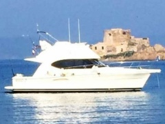 Riviera 47 Fly Flybridge Yacht