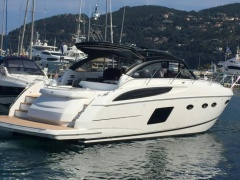 Princess V48 Hard Top Yacht