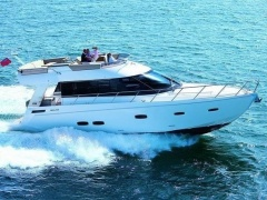 Sealine F48 Flybridge Yacht