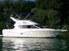 Bayliner 2858 Fly Flybridge Yacht