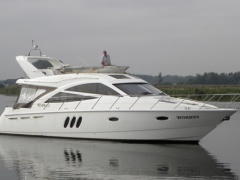 Sealine T 50-52 Flybridge Yacht