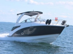 Regal 26 Express Diesel Cruiser Yacht