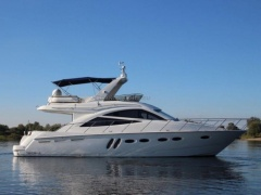 Sealine T50 Flybridge Yacht