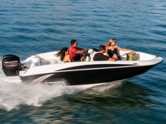 Bayliner Element 160 schwarz Bowrider