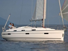 Bavaria Cruiser 36 (2011 Model) Segelyacht