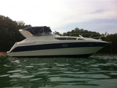 Bayliner 305 Cuddy Cabin