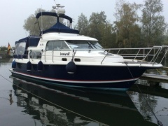 Nimbus Commander 340 Flybridge Yacht