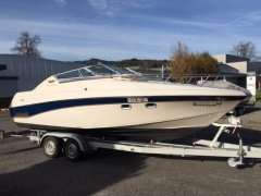 Crownline Bayside 650 CC Yacht a Motore