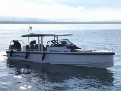 AXOPAR 37 Sun-Top Deck Boat