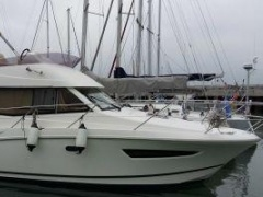 Jeanneau Merry Fisher 10