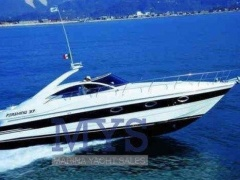 Pershing 37' Yacht a Motore