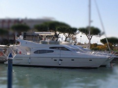 Ferretti 480 Fly Flybridge Yacht