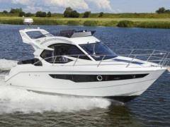 Galeon 300 FLY Flybridge Yacht
