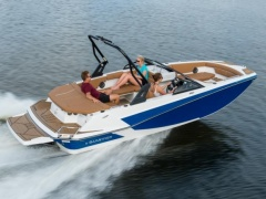 Glastron GTD 205 Deck Boat
