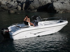 Ranieri International Voyager 19S Motoryacht