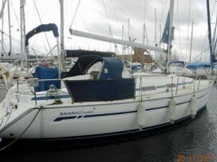 Bavaria 32 Cruiser Shallow Draft Yacht a Vela