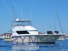 Hatteras 50 Convertible Flybridge Yacht