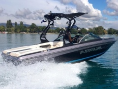 Supra Sports Launch 22 V Bateau de sport