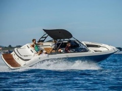 Sea Ray SLX250 Bowrider