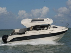 Parker 660 Weekend Pilothouse Boat