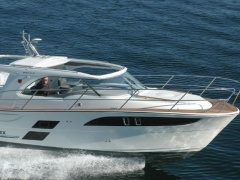 Marex 310 Day Cruiser
