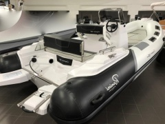 Ranieri International Cayman 19 Sport Canot pneumatique