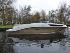 Sea Ray 230 Sunsport Barco desportivo