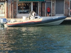 BWA H9 RACING Gommone