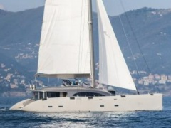 Magic Yachts Jamadhar 100 Catamarano