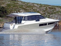 Jeanneau 9 NC Hard Top Yacht