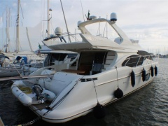 Azimut 62 Evolution Flybridge Yacht