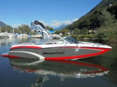 MasterCraft X20 with GEN 2 Wakeboard/ Sci d'Acqua
