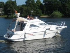 Sealine CS310 Flybridge Yacht