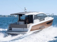 Sealine C330 Cruiser Yacht