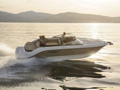 Sea Ray 250 SUNSPORT, MERC. 6,2 MPI/300 Imbarcazione Sportiva