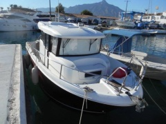 Jeanneau Merry Fisher 855 Marlin Pilot House Boat