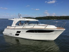 Marex 310 Sun Cruiser Pilothouse Boat