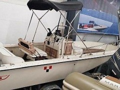 Boston Whaler Outrage 18 Speedboot
