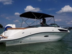 Sea Ray 230 Sun Sport % Trailer Barco desportivo