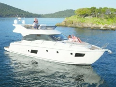 Bavaria Virtess 420 Flybridge Flybridge Yacht