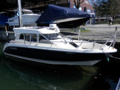 Aquador 25C Kabinenboot