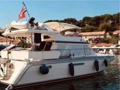 Horizon 46 Aft Cabin Flybridge Yacht